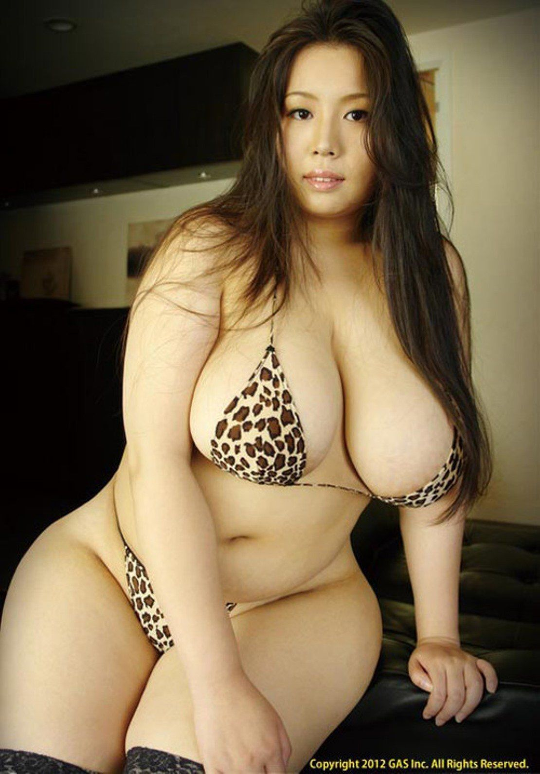 Naked sexy asian female