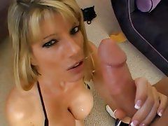 Hot milf gives blowjob for phone call