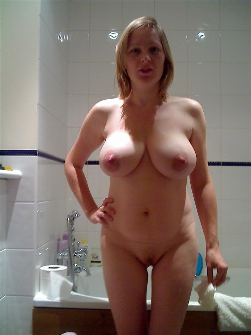 Amature mature huge tits