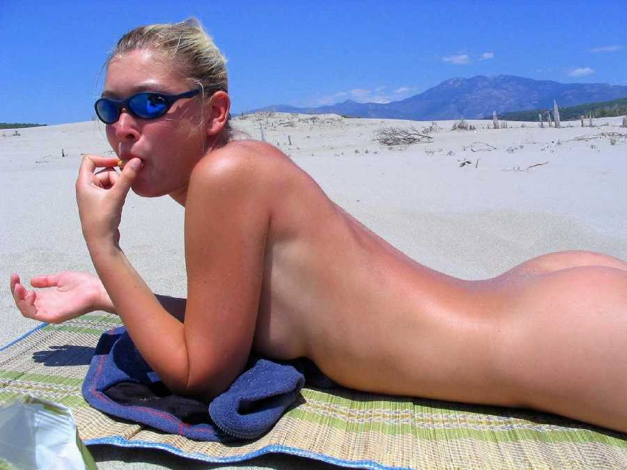 Sexy Girls Naked On The Beach
