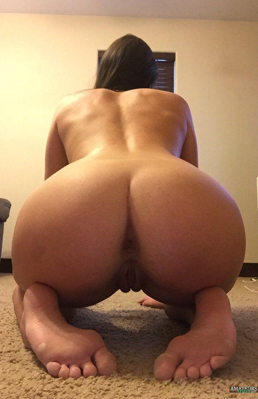 Girls Bent Over Porn Pics