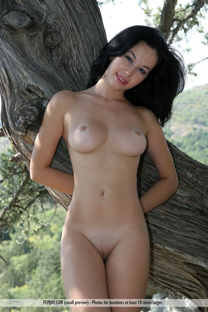 Black hairy nude entice