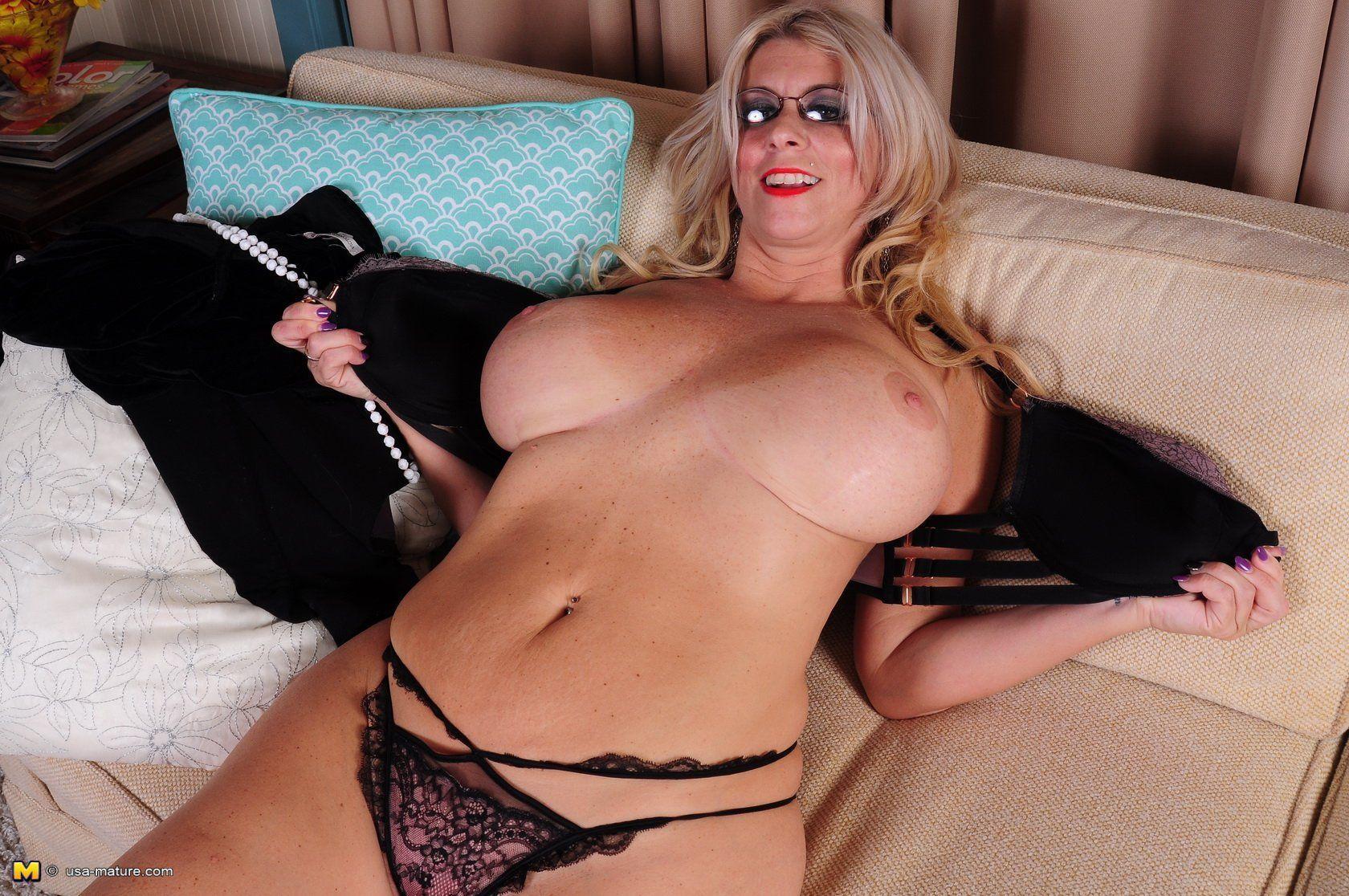 American Milf Nude galleries milf mature - hot pics