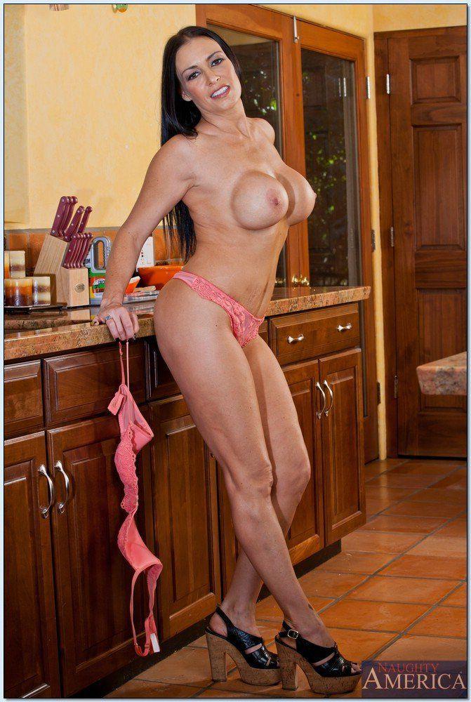 Short nude latin women