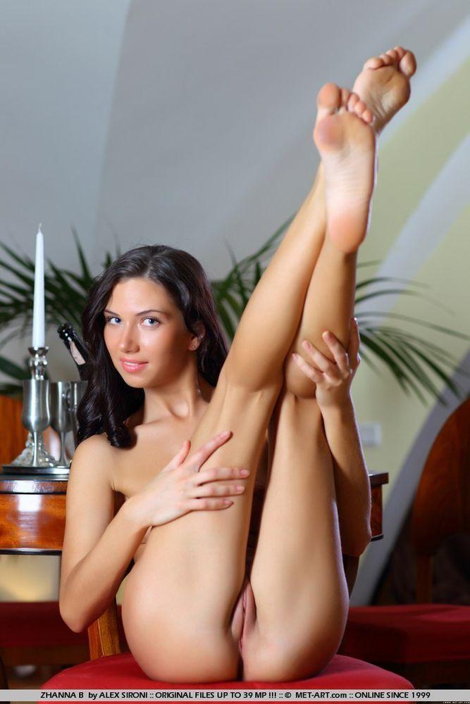 Women nude both legs up galleries 392
