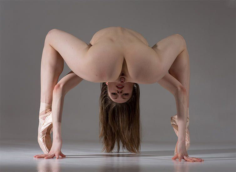 Contortion Porn Head Above