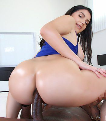 Tanned wife double fucked