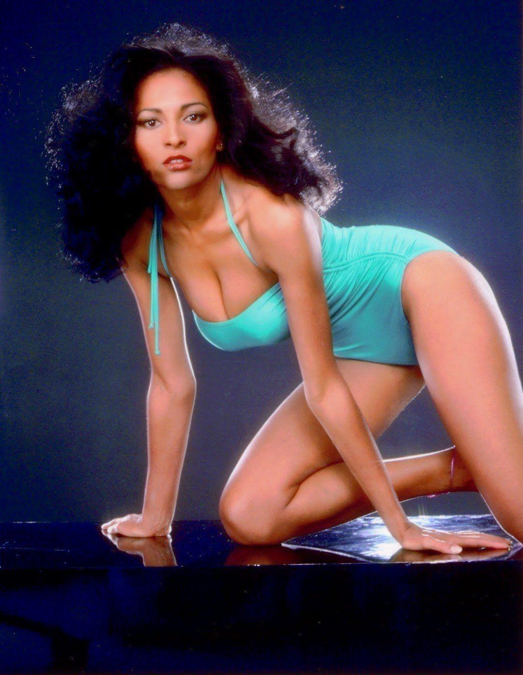 Hot black girls naked mirror pics