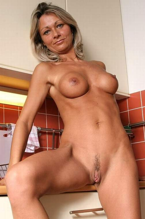 Female photo gallery free milf