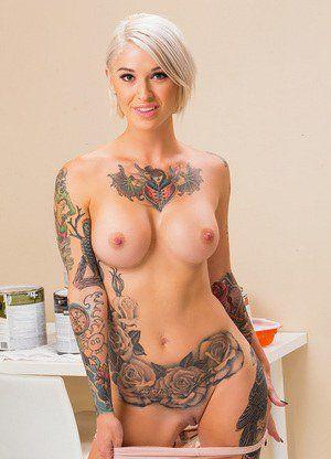 Tattooed women nude photos