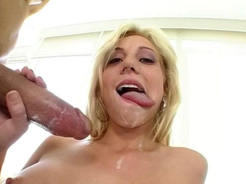 Chicks sucking huge cocks