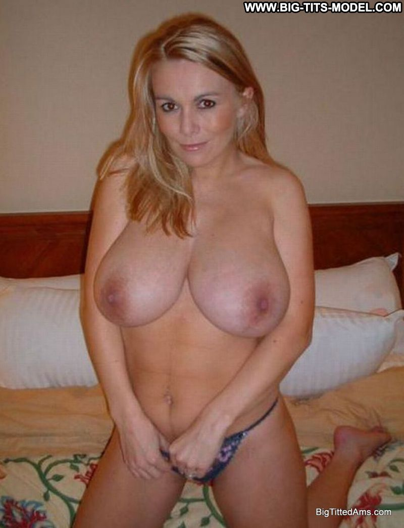 Wide hips taking cocks pics