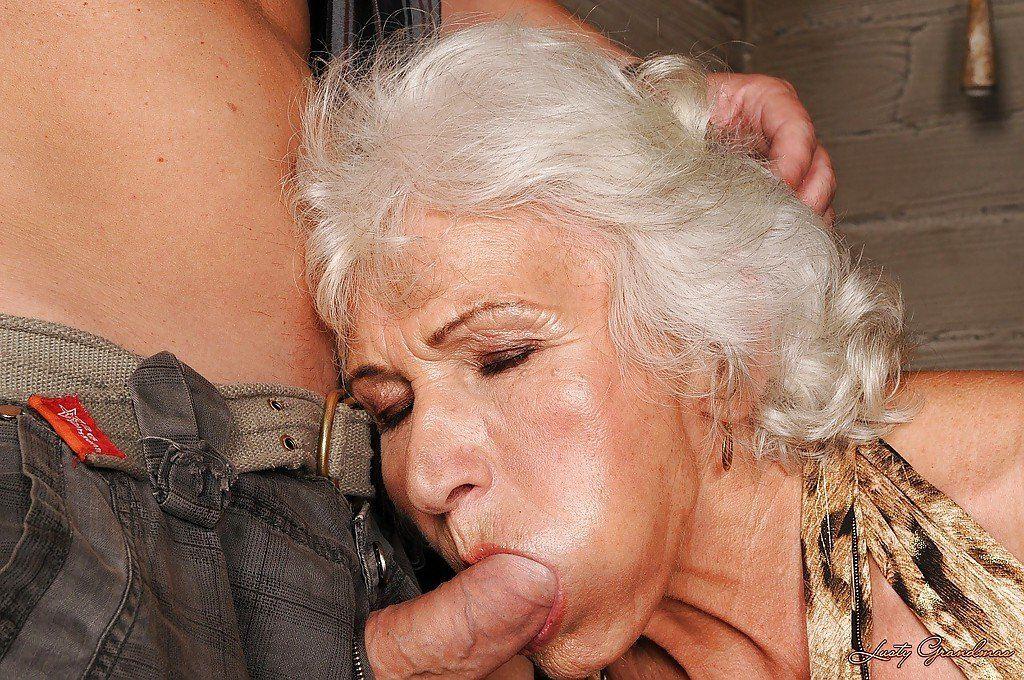 Big cock movie sucking