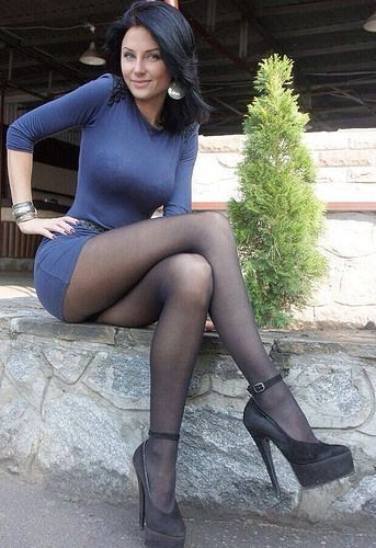 Roar reccomend Young tight skirt models pantyhose