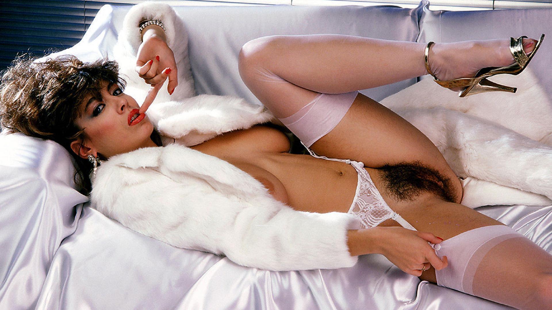 Pics of rose mcgowan bent over nude