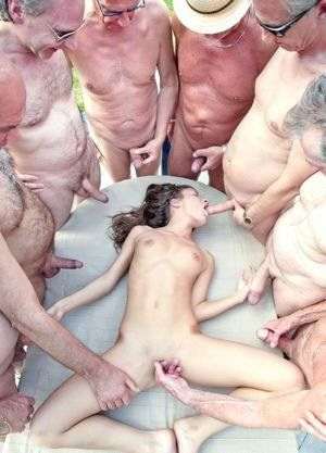 real people nude pics