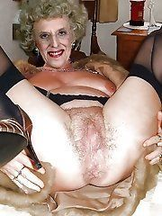 Nude granny gallires