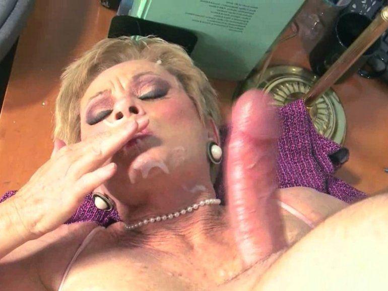 Fucking grandma, porn tube - www.reuni.eu