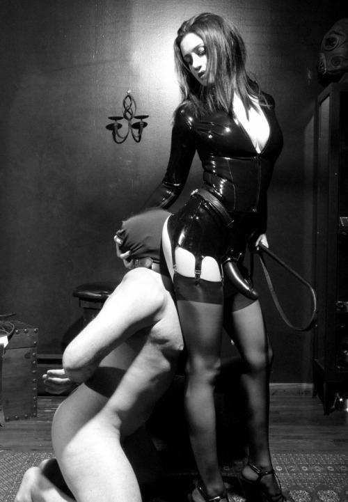 Dead R. reccomend Men who are submissive