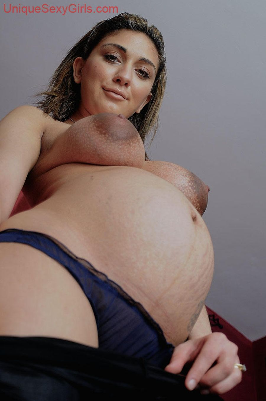 Pregnant hijab nude
