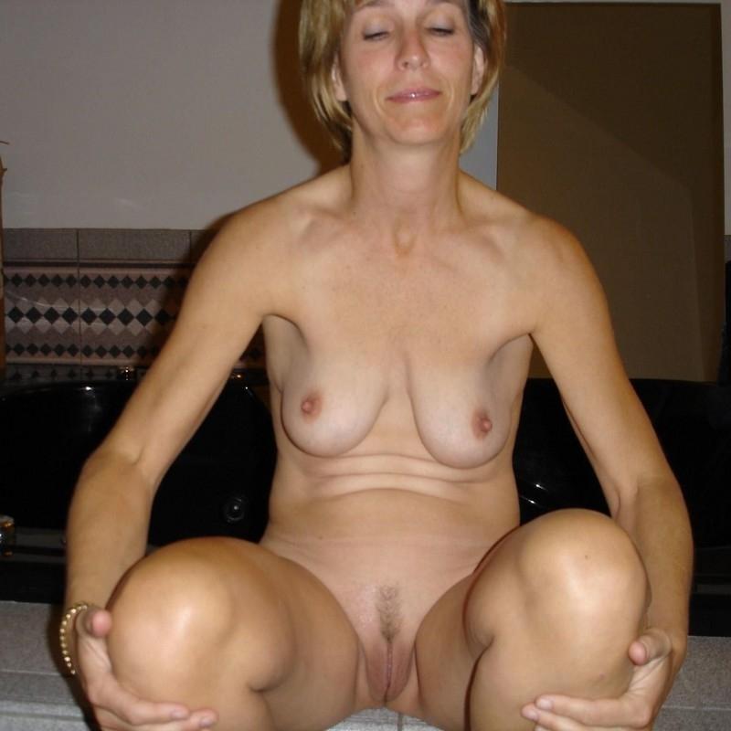 Nude amateur mature wife photos