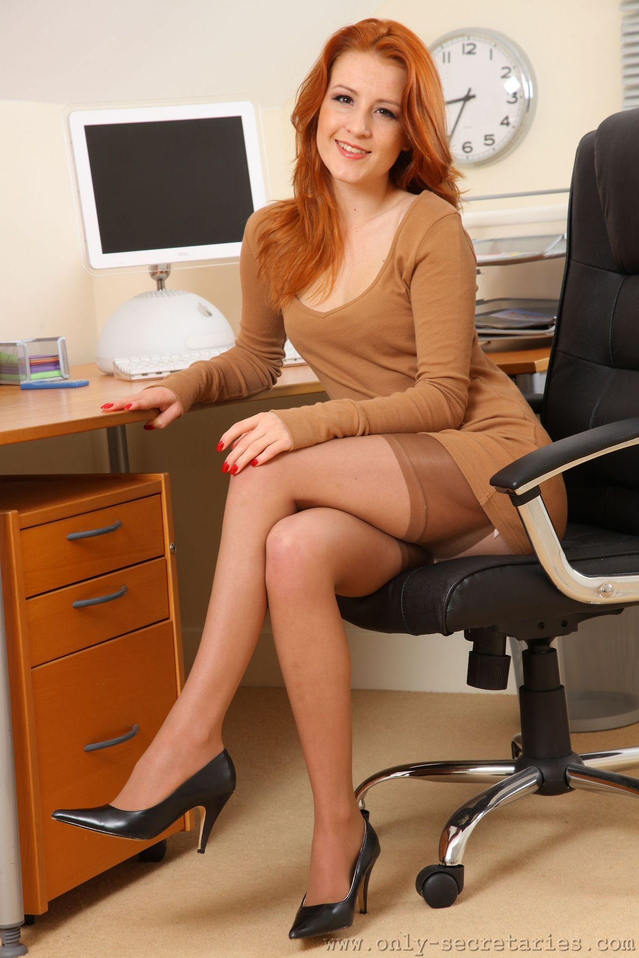 Office Girls Lesbian Hot Legs Milf Porn Chubby Asshole stockings office redhead - pics and galleries.