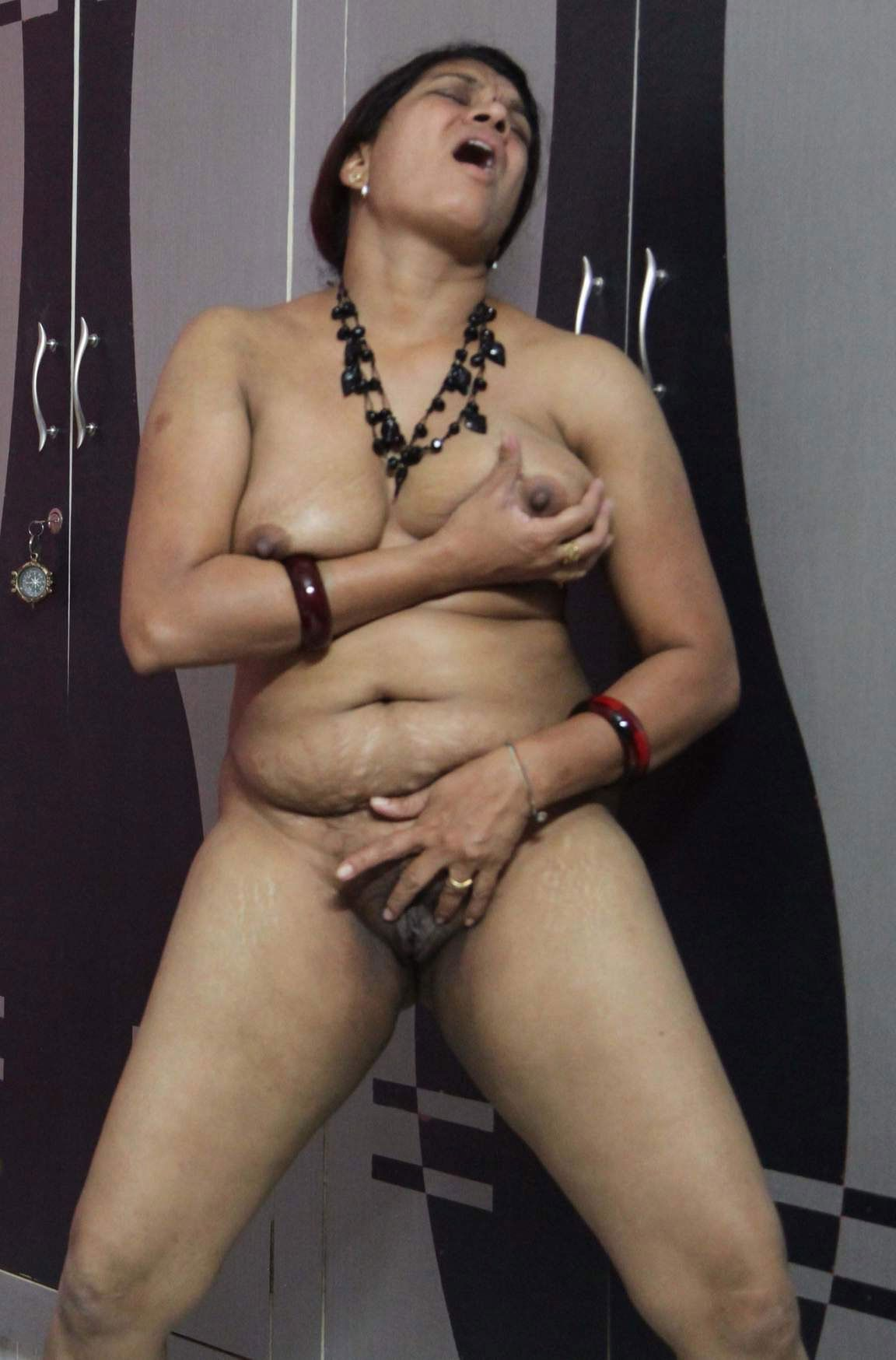 Milf and fisted