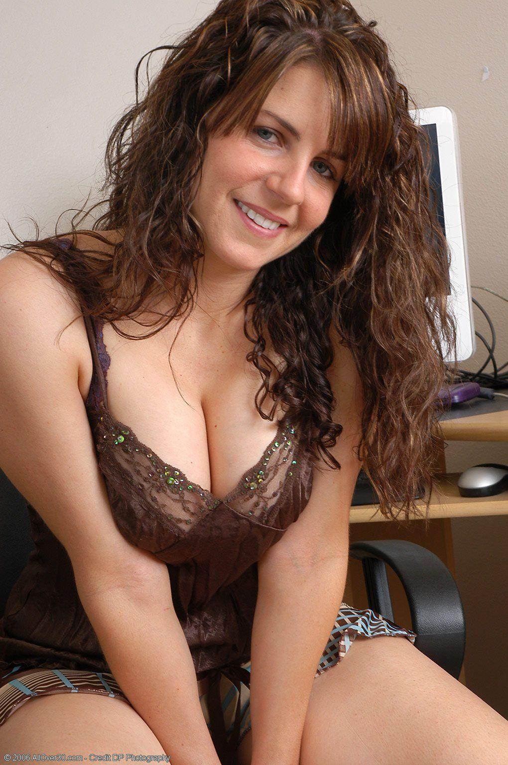 nude mature vampire women photos