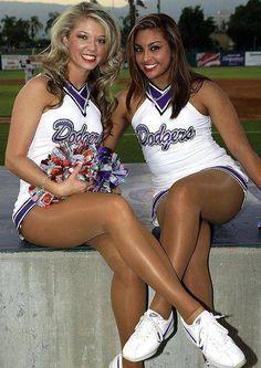 Oregon cheerleaders in pantyhose