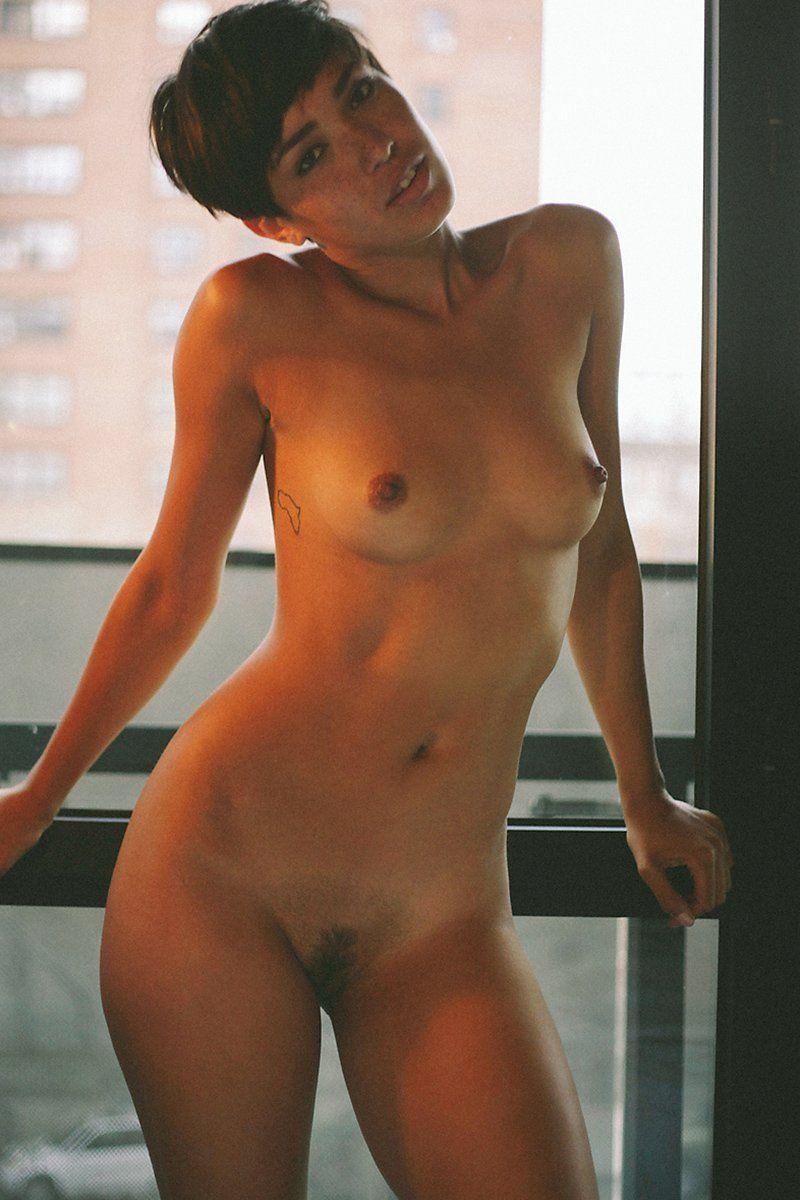 Alisan Porter  nackt