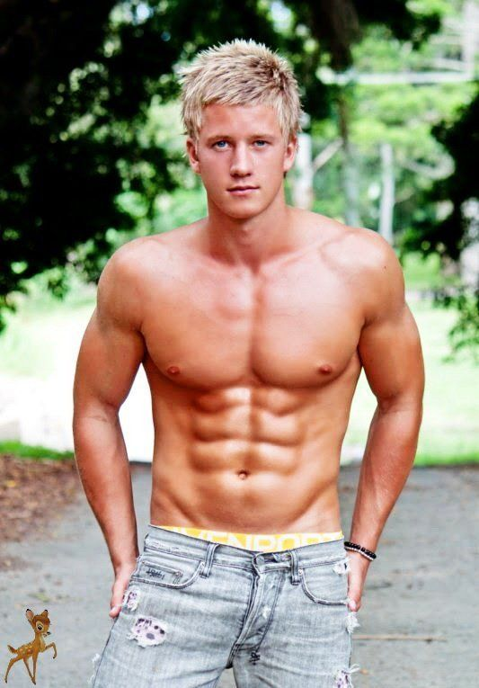Muscular twink galleries - Naked photo.