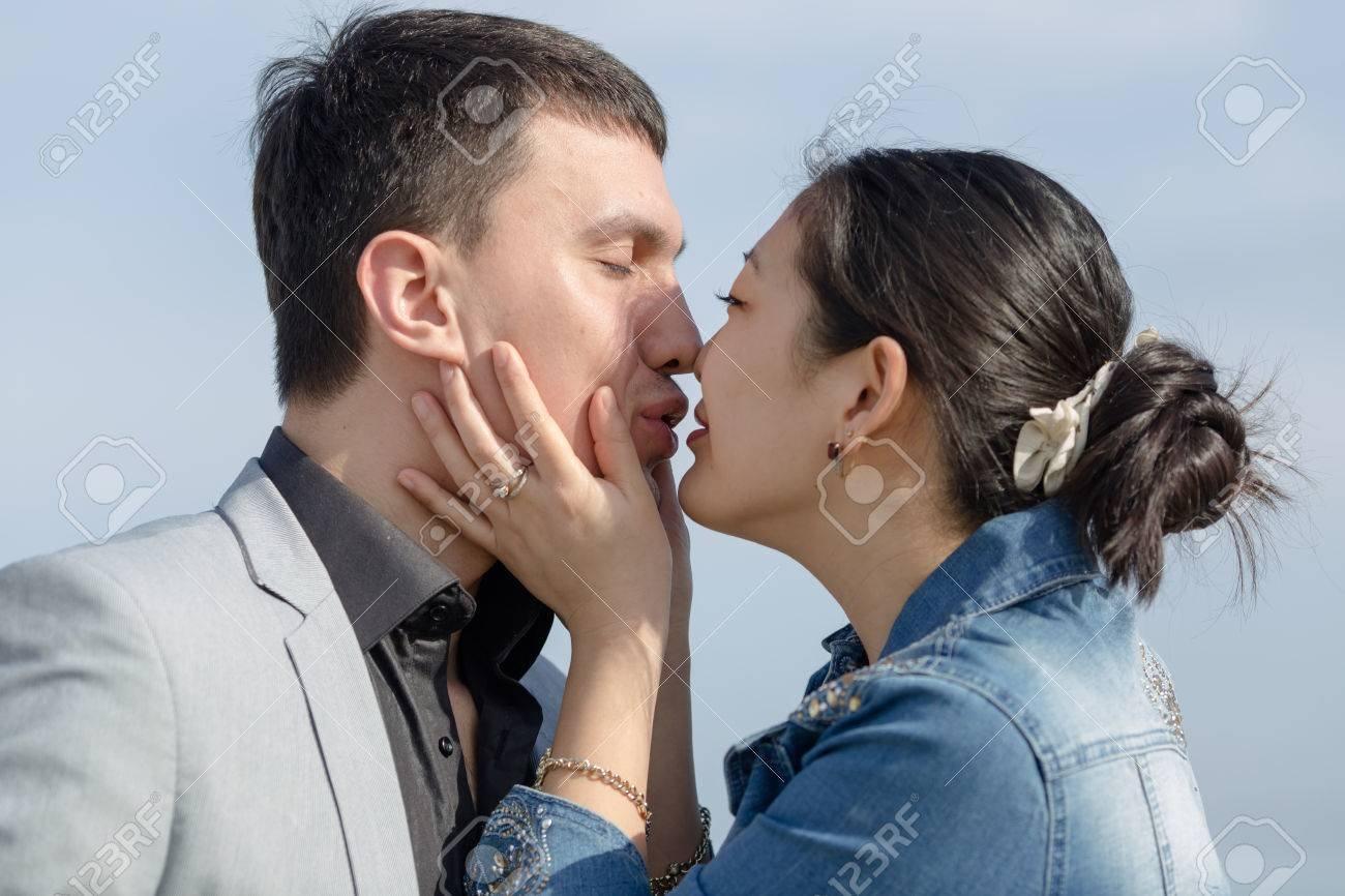 best of Kissing Asian pics girls