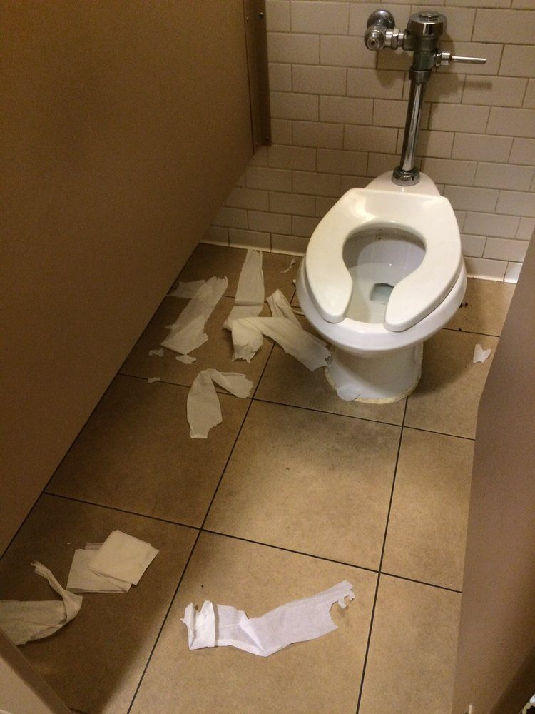 Sierra reccomend Barnes and noble restrooms