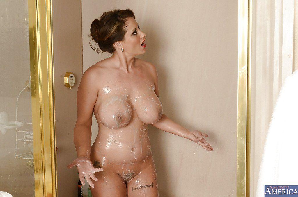 Big tits mature shower handyman photo 806