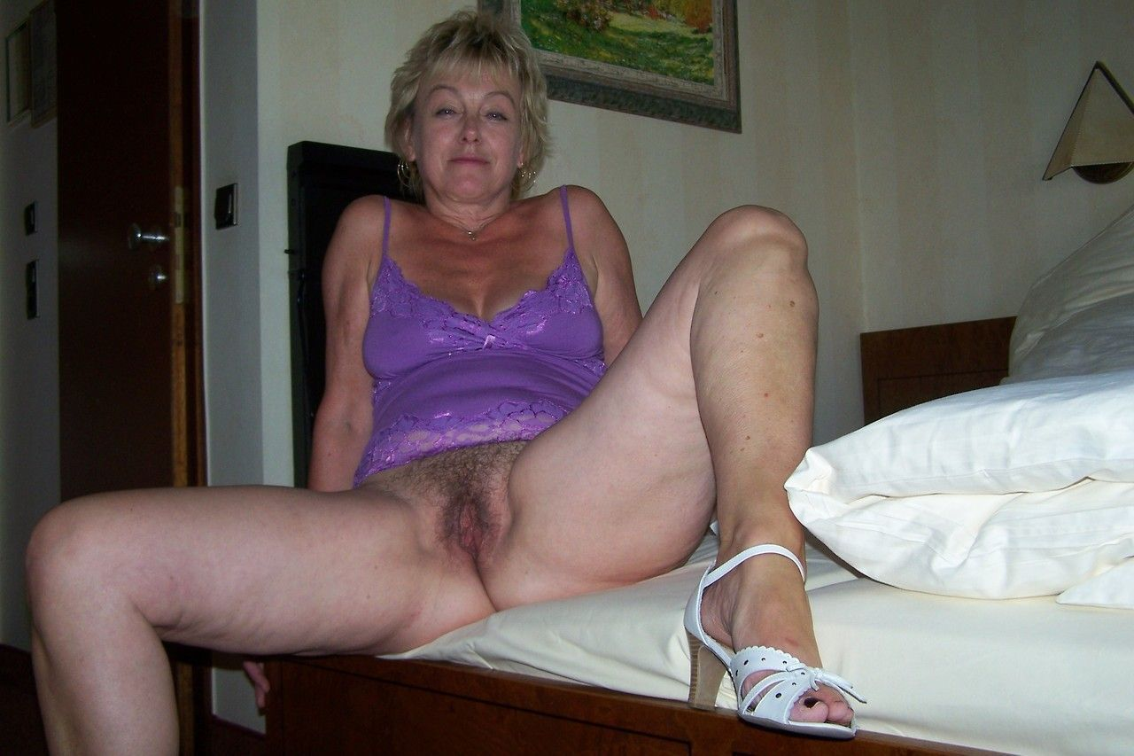 Dyke softcore footjob muscle