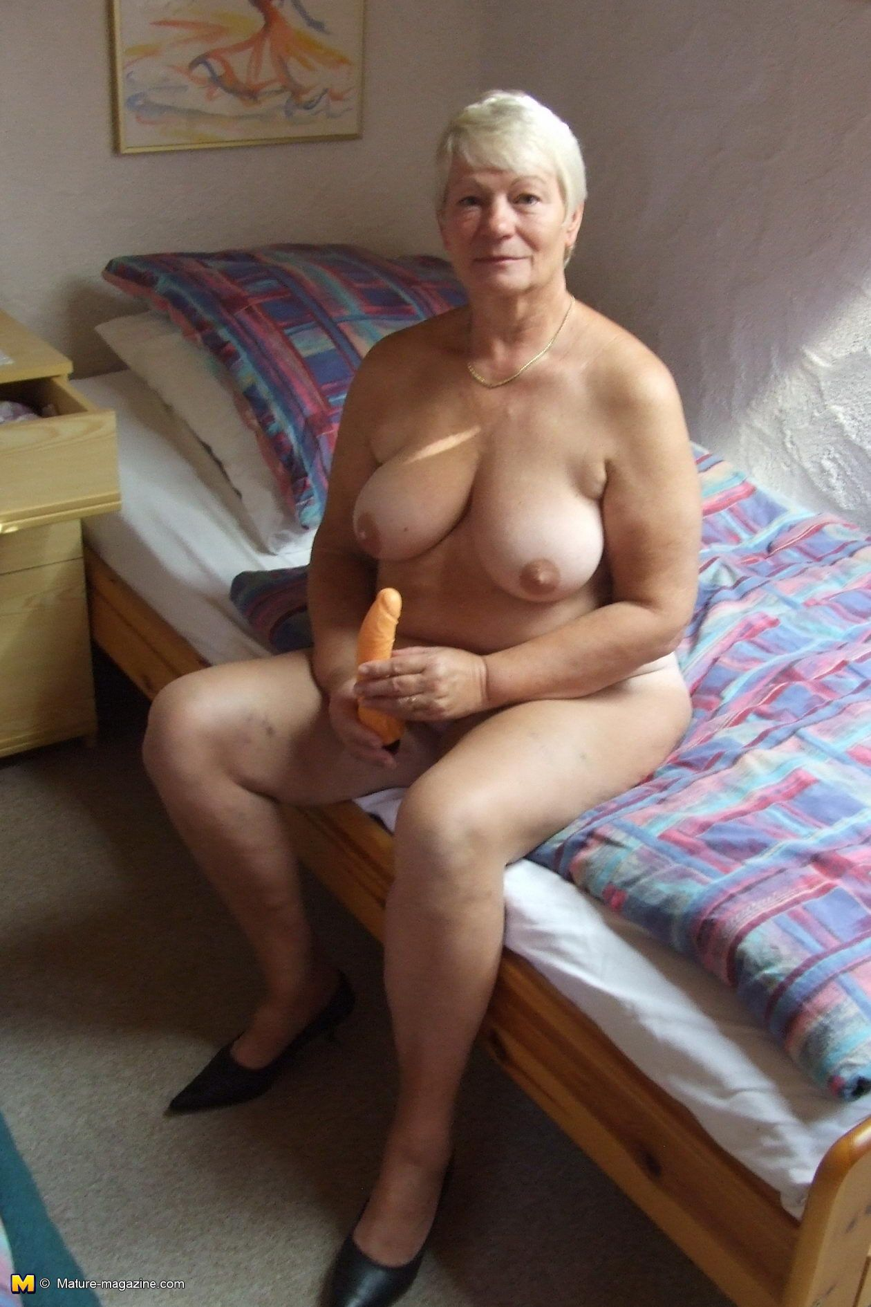 Old granny ass fucked