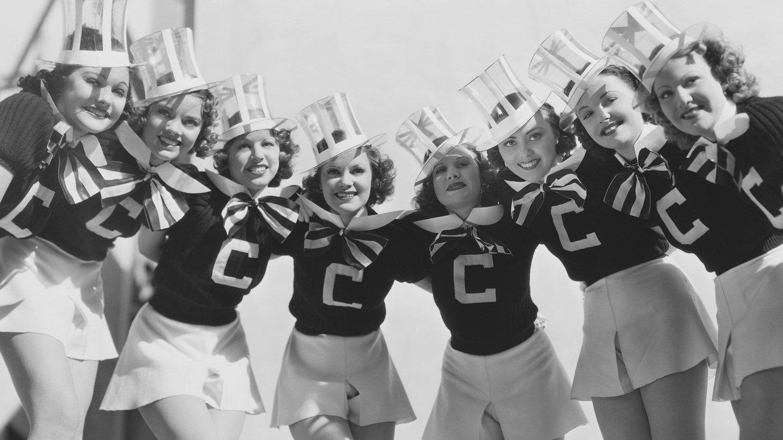 Variant Cheerleader upskirt vid elmo commit error