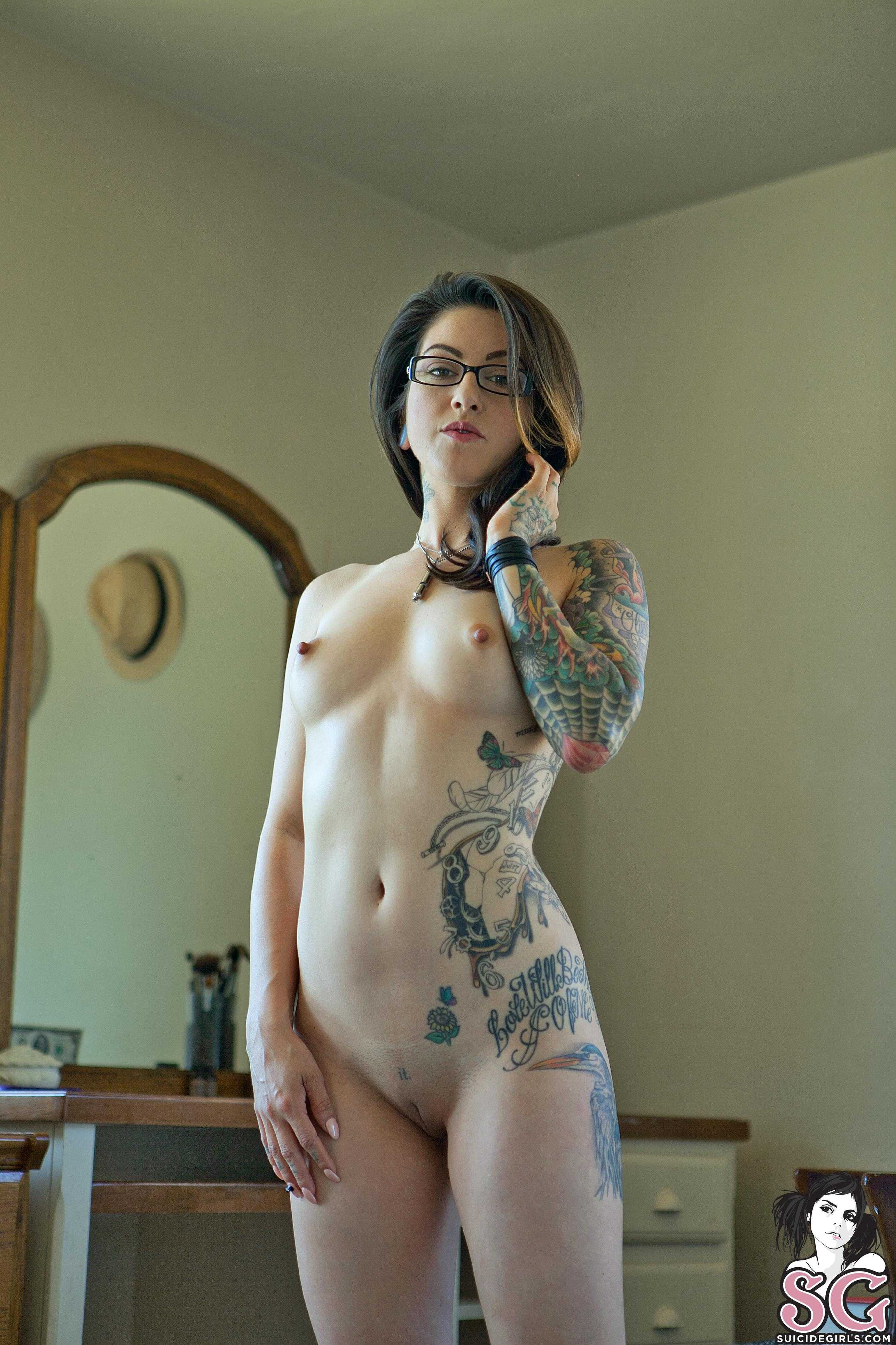 Muscle gay Tranny big cock cumming porn video
