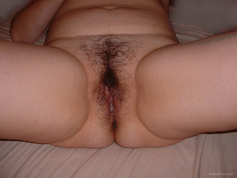 Nude hairy cun leaking pussies