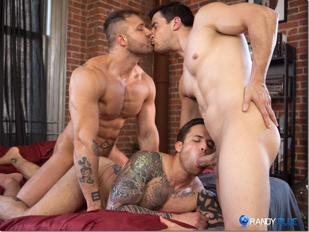 Hot muscle gets ass fucked in threesome
