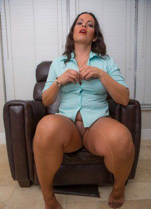 F mature pantyhose sex sultry
