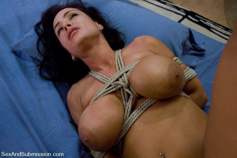 Fotos Lisa ann gedemütigt Frauen Sex nackt