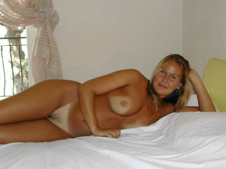 Nude photo of man girl with candom