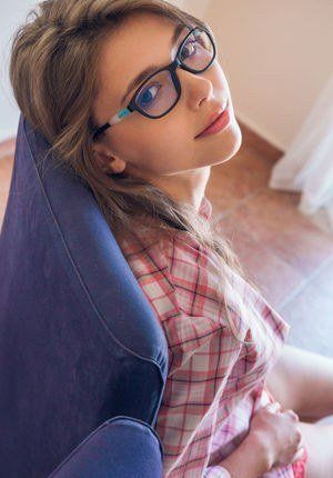 Naked sexy girls with glasses not see