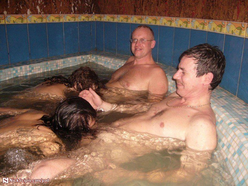 Sex in the hot tub gallery