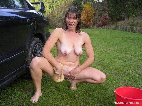 Mom outside naked