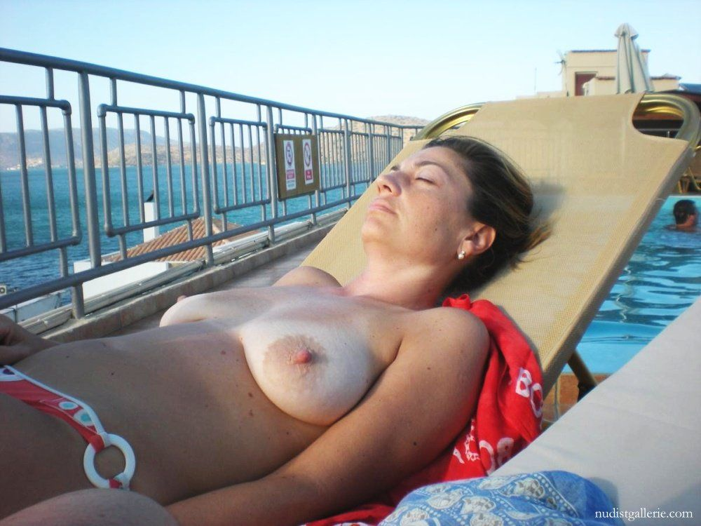 Naked girls on holiday Hot Naked Women On Holiday Porn Images Comments 1