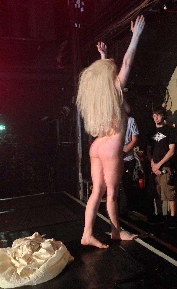 Lady gaga naked with girls