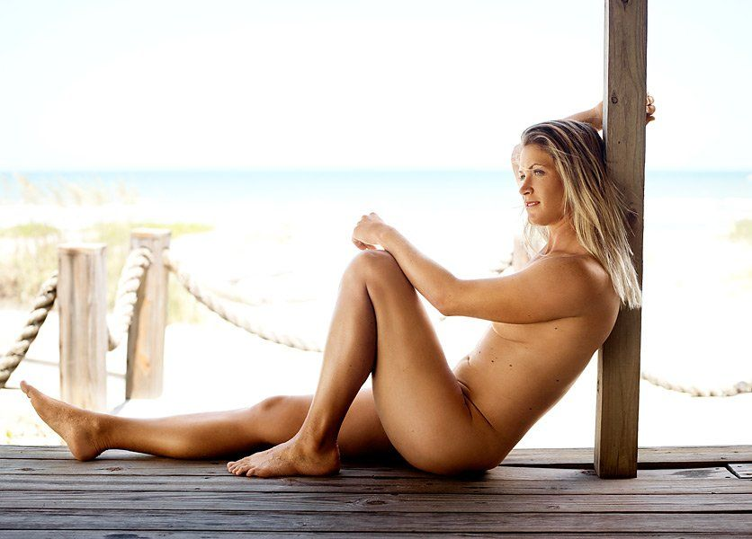 Ashley scott naked showing her pussy