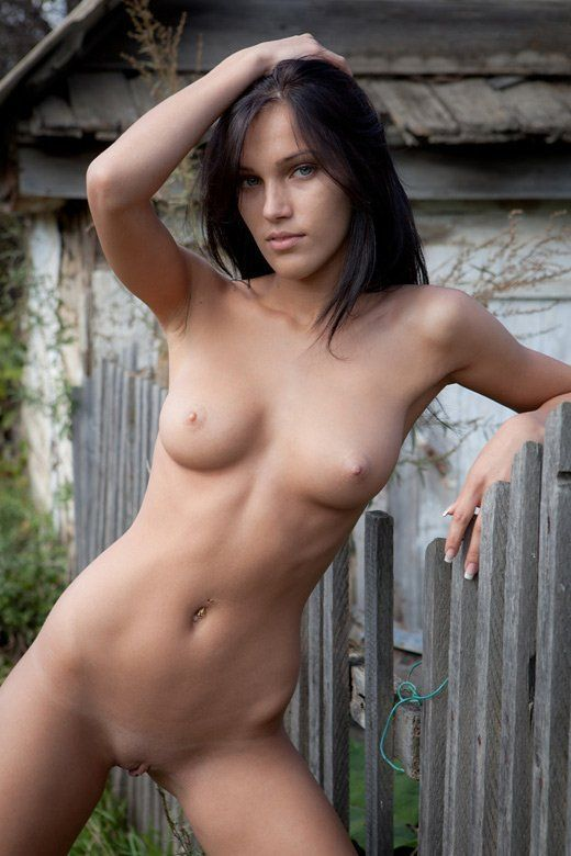 Naked country milfs